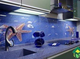 Стеклянный фартук для кухни: виды стеклянного фартука и способы крепления скинали