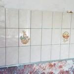 Укладка плитки на фартук кухни без выравнивания стены