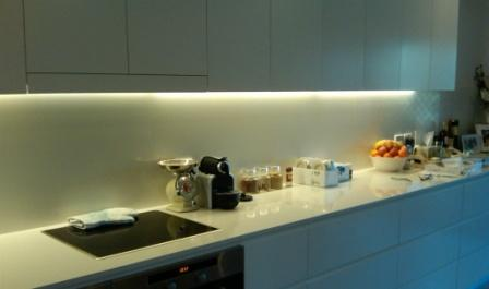 освещение кухни над рабочей поверхностью