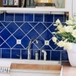 Синий цвет на кухне: синие кухни фото