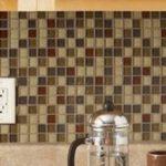 Мозаика для фартука кухни: укладка мозаики своими руками
