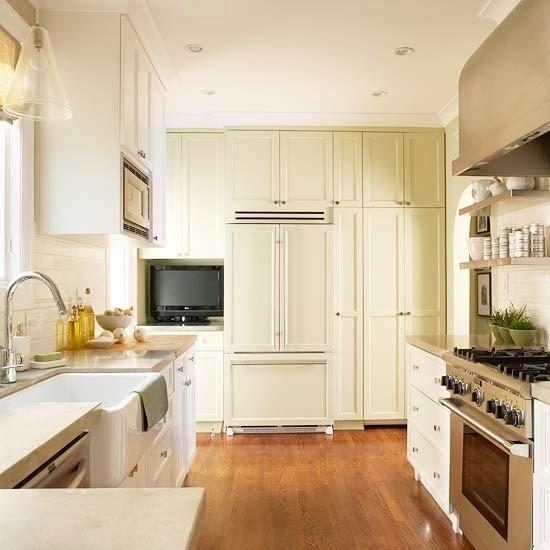 Белая и черная кухни