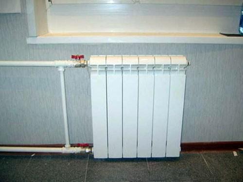 замена-радиатора-отопления-на-кухне-03