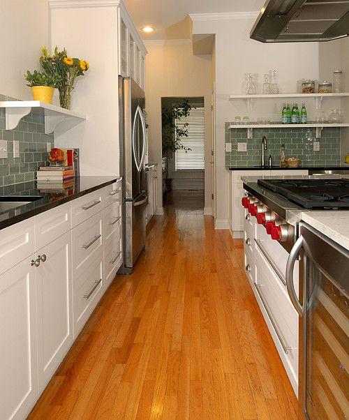 стеклянная-плитка-на-кухне-10