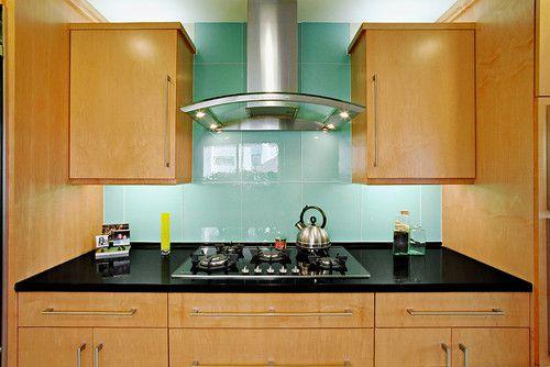 стеклянная-плитка-на-кухне-3