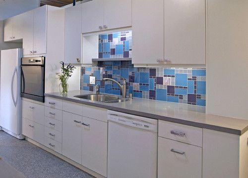 стеклянная-плитка-на-кухне-6