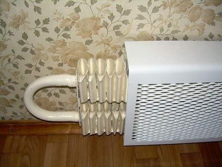 декорирование-радиаторов-на-кухне-13