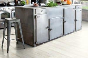 Типы винилового покрытия для пола кухни