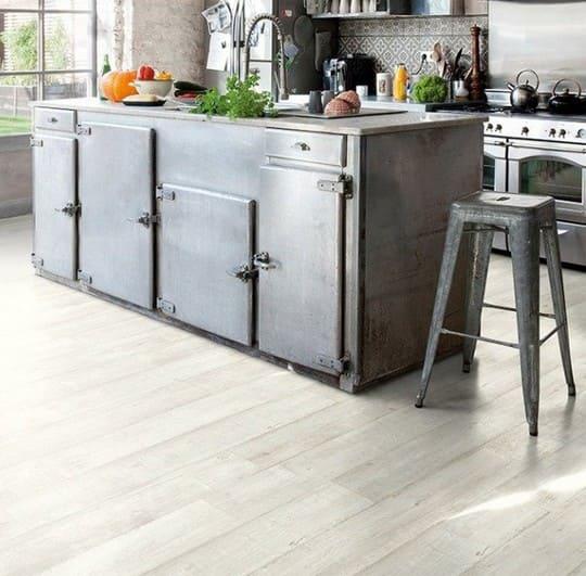 виниловый пол кухни