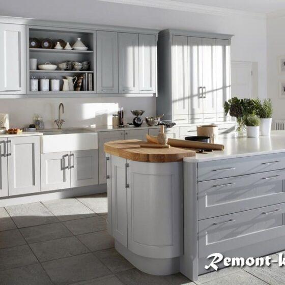 современный интерьер кухни в доме