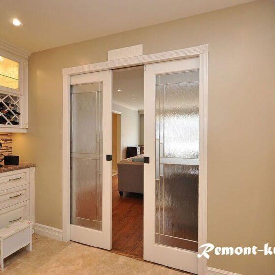 Выбрать дверь на кухню квартиры